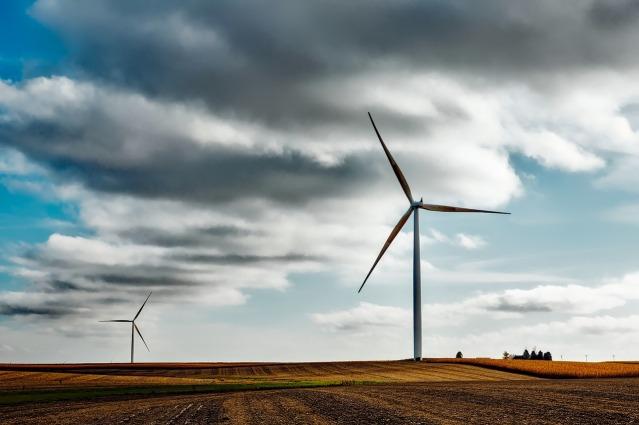 wind-farm-1747331_1280